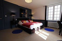 Blue Bedroom at la Haute-Flourie, Bed & Breakfast in Saint-Malo