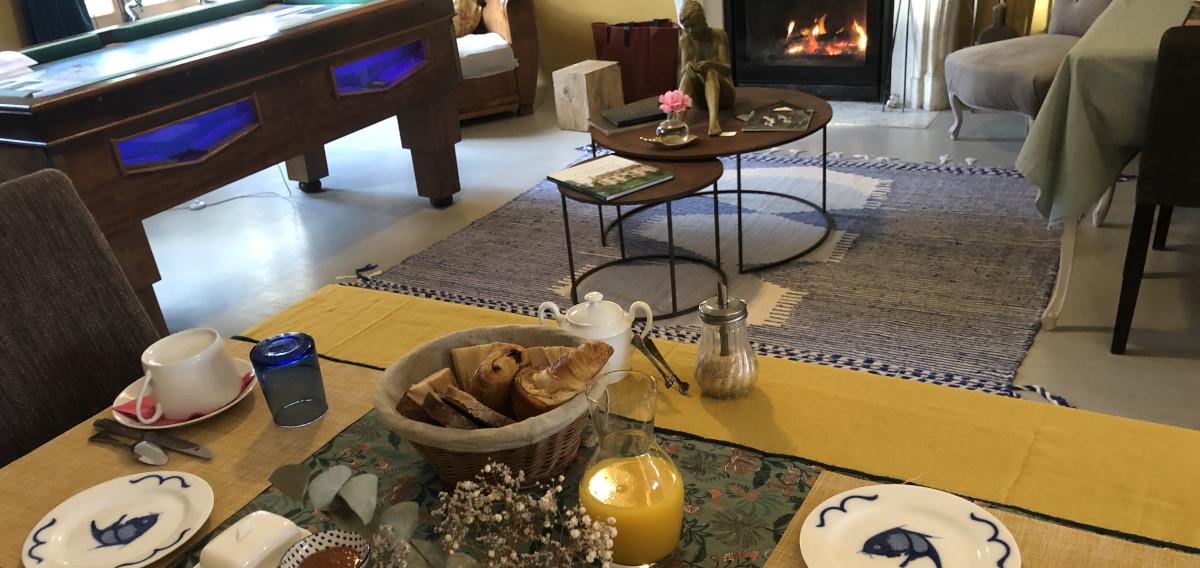Déjeuner dans nos Chambre d'hôtes, La Haute-Flourie à Saint-Malo